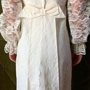 VINTAGE 60s wedding gown.